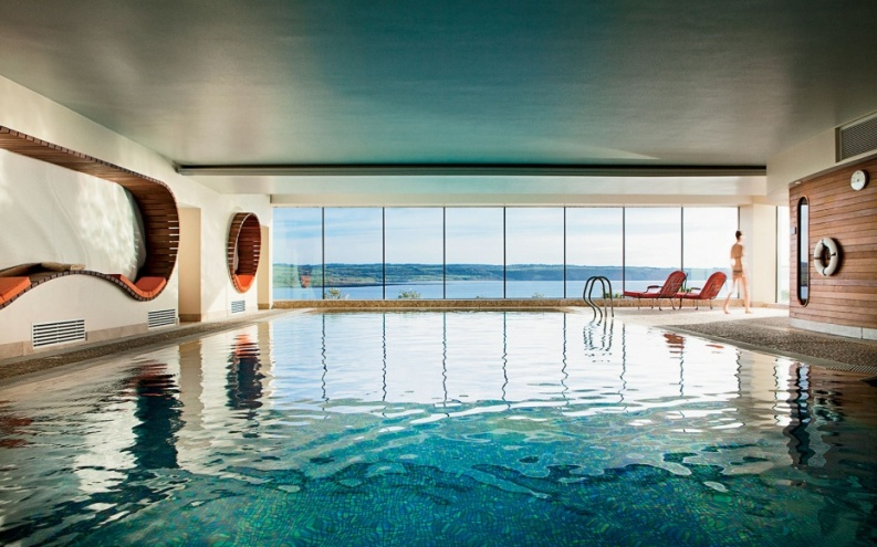 CliffHouseHotel-indoor pool